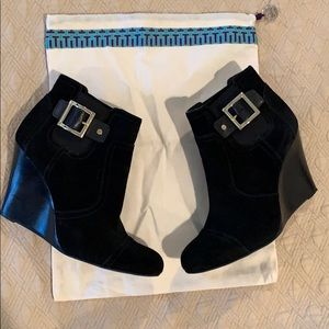 🌺Like New Tory Burch Wedge Size 40 Suede Boots🌹